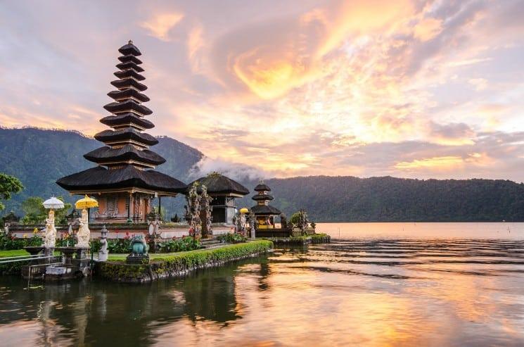 25 Best Honeymoon Destinations in Asia