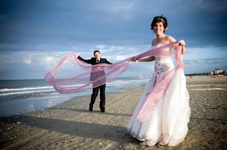 Proč nesmí ženich vidět nevěstu ve svatebních šatech
