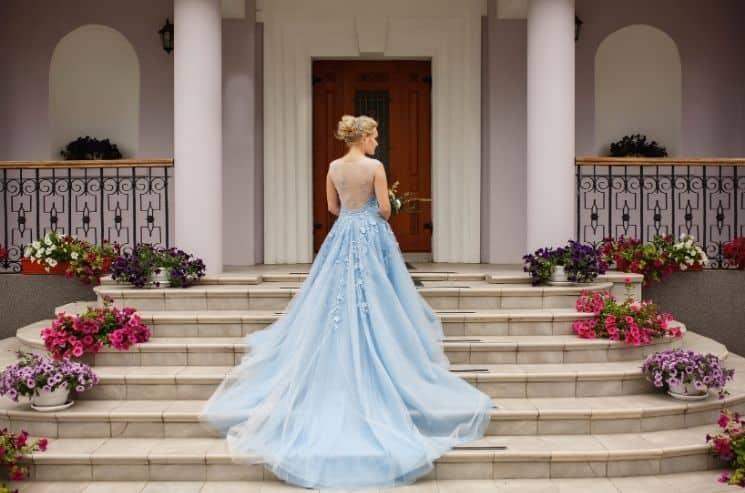 Levné šaty z druhé ruky na nízkonákladovou svatbu