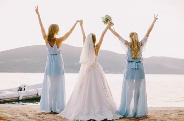 svědkyně na svatbě
