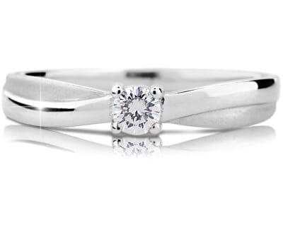 Snubní a zásnubní prsteny (jaký je mezi nimi rozdíl, kde se nosí a jak vybrat?) 7