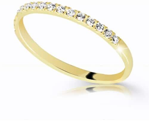 Snubní a zásnubní prsteny (jaký je mezi nimi rozdíl, kde se nosí a jak vybrat?) 4